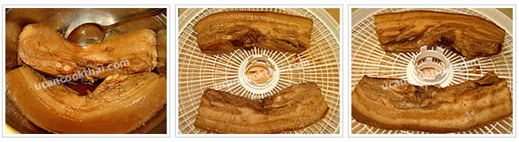 Preparation for Crispy Pork with Rice: No.4 Bring marinated pork strips on rack and let both side dry well