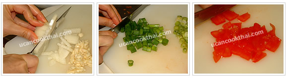 Preparation for ground pork sauce: Prepare fresh ingredients: mince garlic, chop onion, slice green onion, and cut tomato