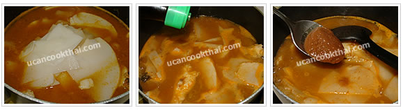 Preparation for Yellow Sour Curry: No.6 Add sour bamboo shoot, let it boil, then season and taste