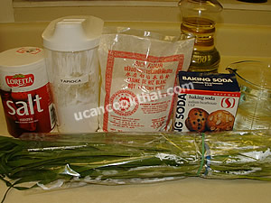 Chinese Chives Square Cake Ingredients: Chinese chives, rice flour, tapioca flour, water, salt, baking soda, vegetable oil